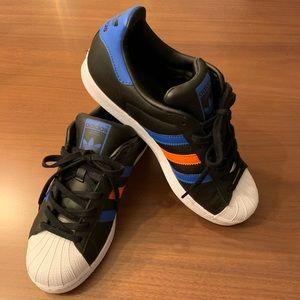 Adidas Black - Women 8.5 size